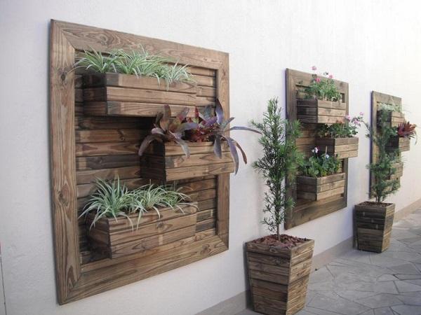 Recycled Vertical Garden; Solusi Taman Hijau yang Ramah Lingkungan
